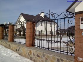Кованые заборы на заказ в Киеве фото картинки рисунки Монтаж и доставка заборов | Компар
