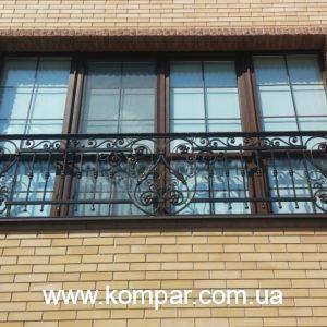 Ограждение балкона кованое