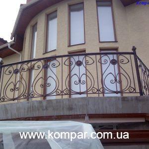 Кованые балконы французские