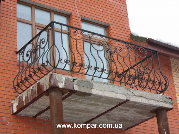Красивые кованые балконы