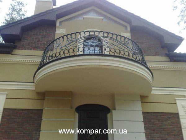 Перила балкона кованые