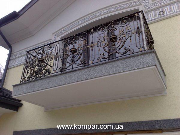 Французские кованые балконы