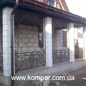кованые перила на террасе